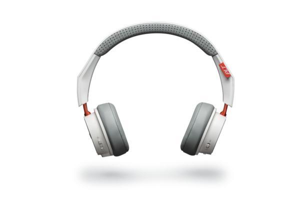 los auriculares inalmbricos backbeat 500 de plantronics ofrecen ms de 18 horas de sonido