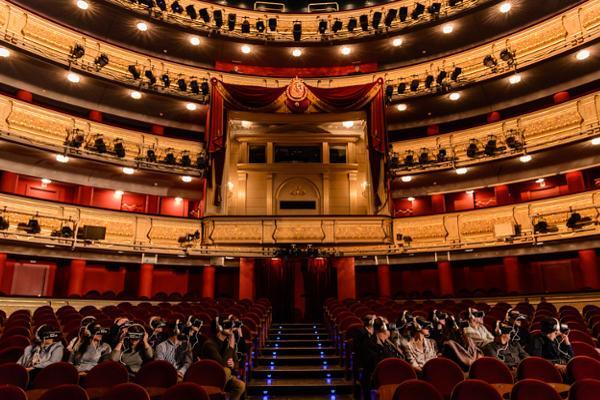samsung lleva la realidad virtual al teatro real en la celebracin de su 200 aniversario