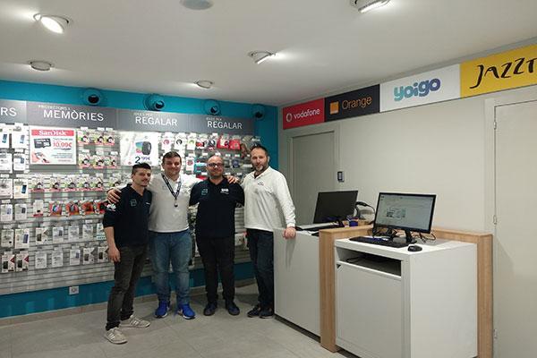 phone house inaugura su primera tienda en sabadell