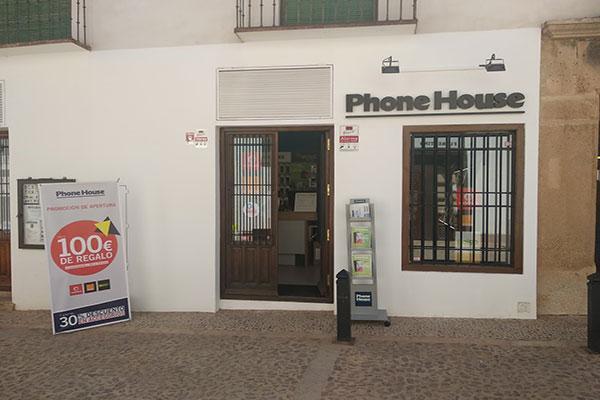 phone house inaugura su primera tienda ennbsp villanueva de los infantes ciudad real
