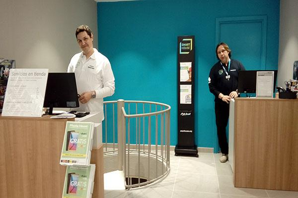 phone house inaugura su primera tienda en alcudia baleares