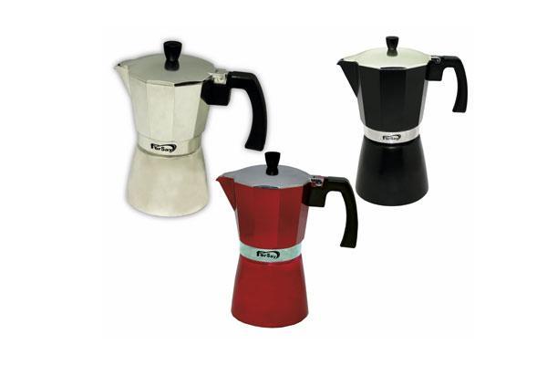 fersay ampla su gama de menaje con una nueva cafetera italiana de marca propia