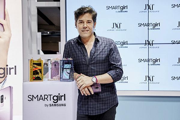 smartgirl by samsung inspira la coleccin de clutches  del diseador jorge vzquez