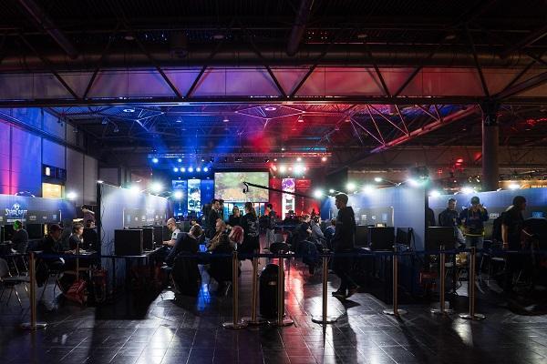 el sector del videojuego ofrece contratacin indefinida y salarios por encima de la media