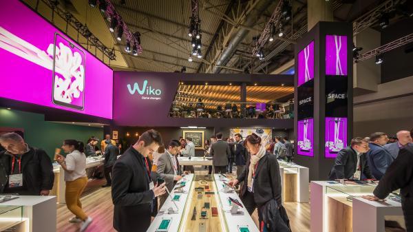 wiko presentar en el mwc su nueva gama de productos en un stand con imagen renovada