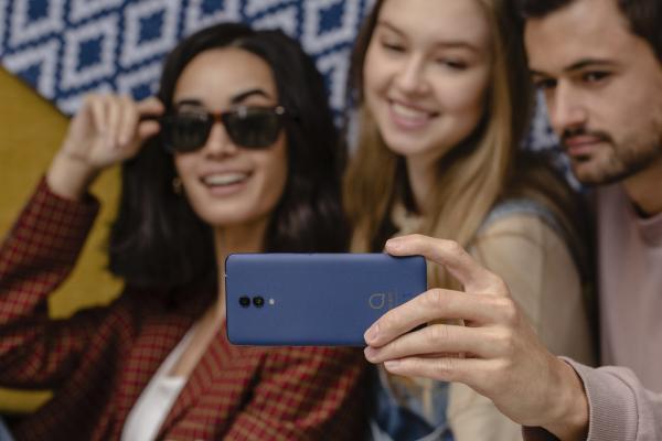 alcatel 1x pone las ltimas herramientas fotogrficas al alcance de todos