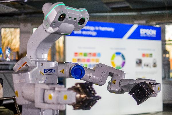 epson anuncia los ganadores del concurso win a robot