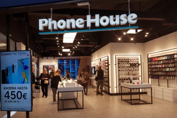 phone house revoluciona su concepto de tienda para acercar a los clientes su oferta de servicios