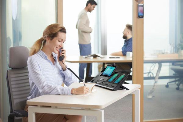 spc-presenta-en-espana-las-ultimas-soluciones-en-telefonia-ip-para-perfiles-ejecutivos-de-yealink