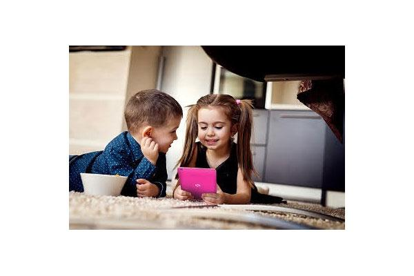 spc presenta una nueva tablet para el segmento infantil spc lightyear