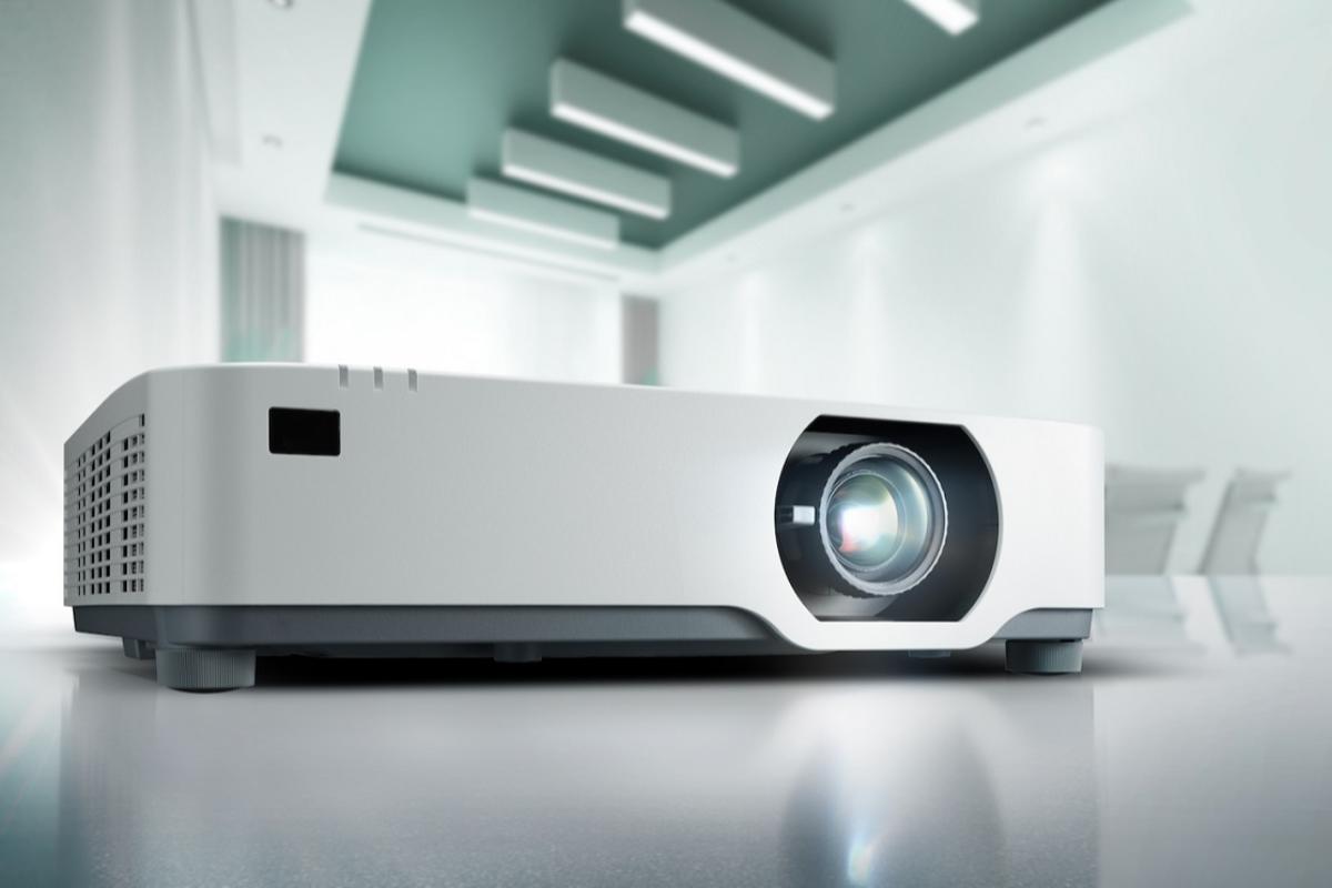 nec-lanza-un-proyector-laser-super-silencioso-y-ultra-potente