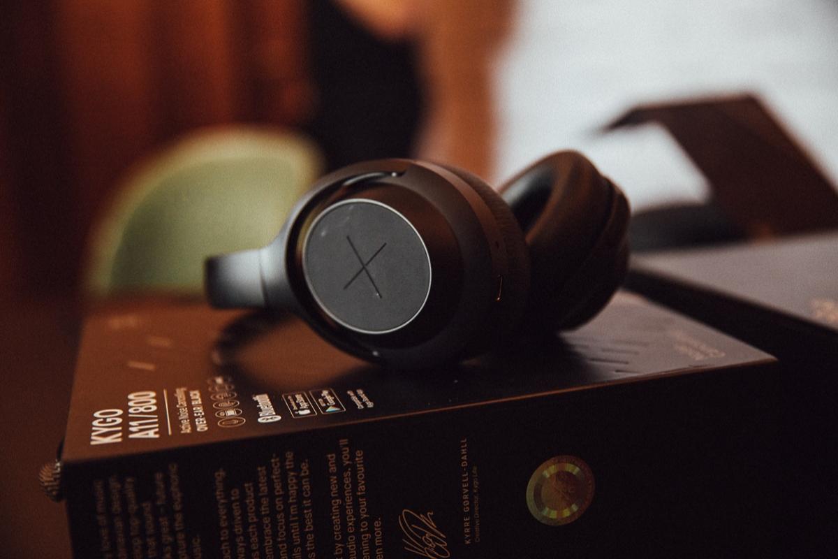 llegan-a-espana-los-nuevos-auriculares-con-cancelacion-de-ruido-del-reconocido-dj-kygo