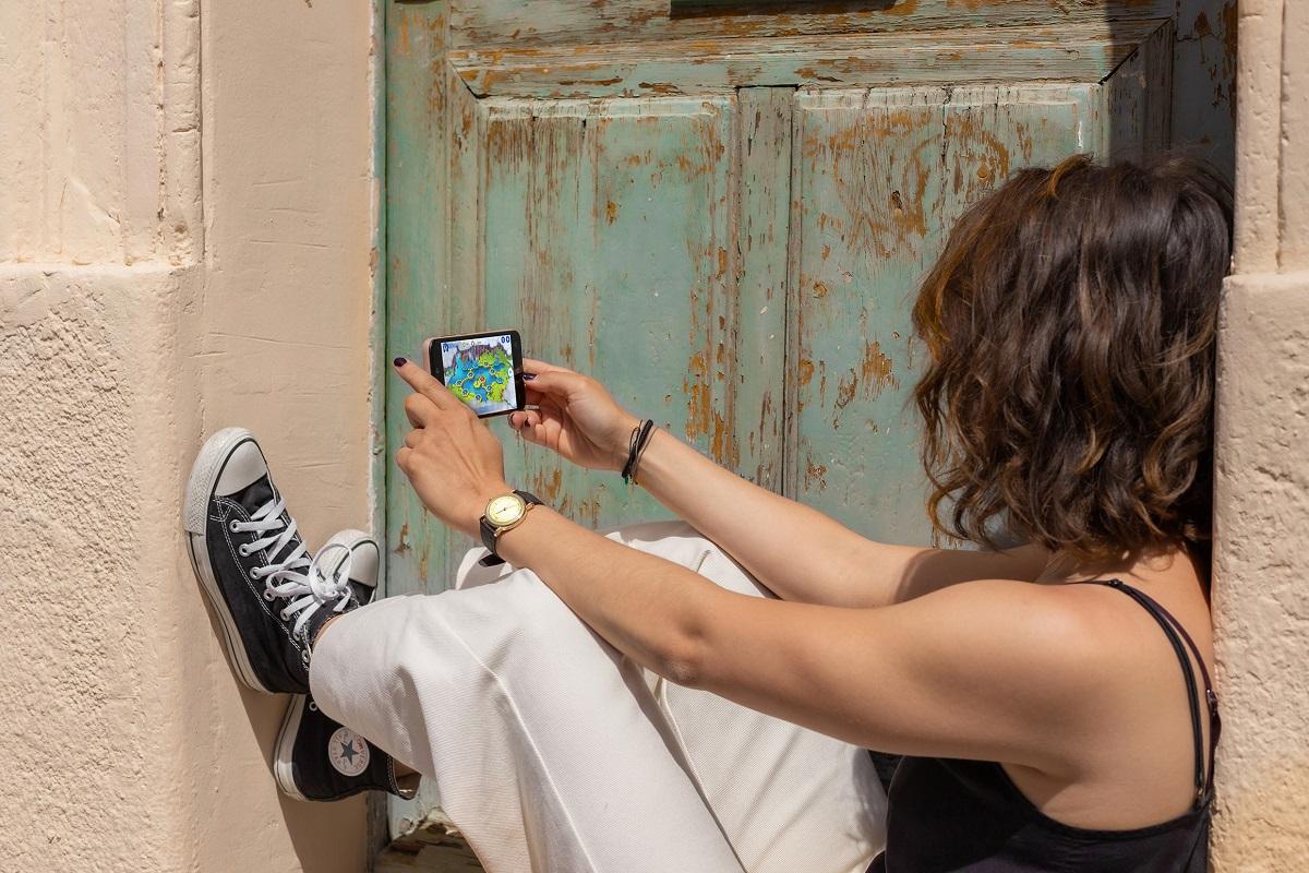 ms de 1 de cada 3 jvenes pasan un mnimo de 6 horas diarias conectados a sus smartphones