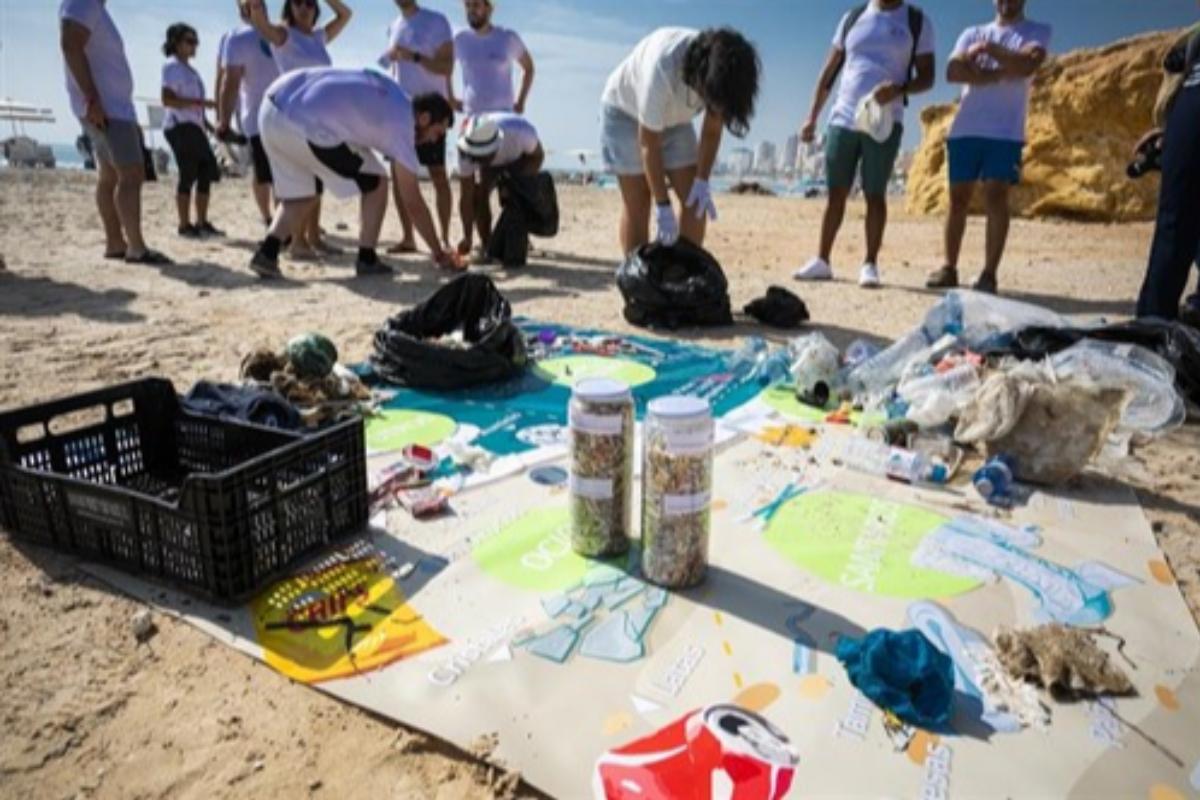 lg iberia limpia la costa y el fondo marino mediterrneo