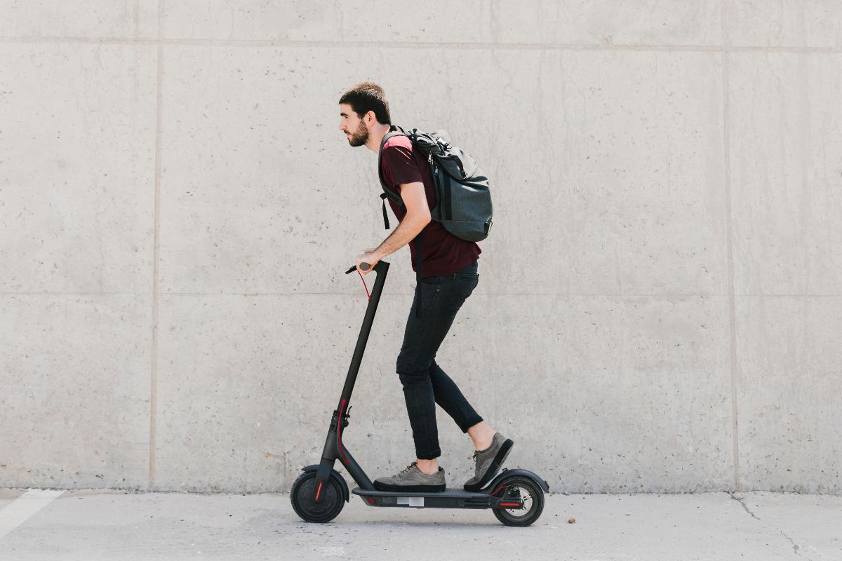 el-patinete-electrico-una-moda-de-transporte-sobre-dos-ruedas-en-2020