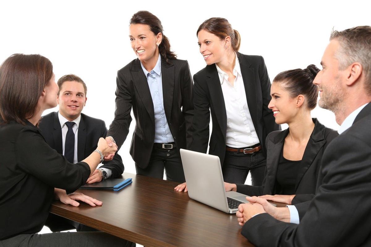 el 37 de los espaoles demanda mayor presencia de mujeres en puestos directivos