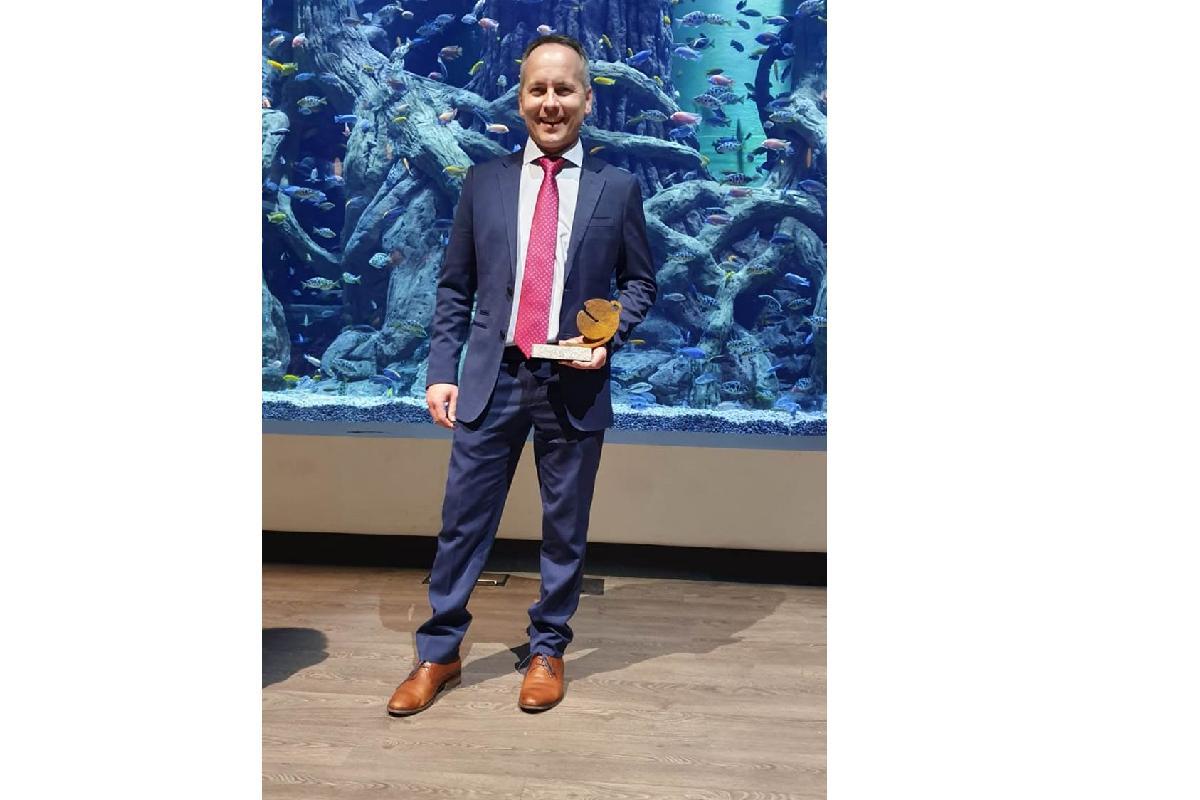 milar de baena recibe el premio raeeimplcate por su compromiso medioambiental