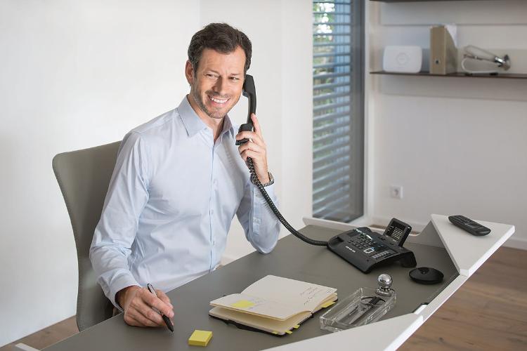 apuesta por comunicaciones de calidad de la mano de la telefona dect