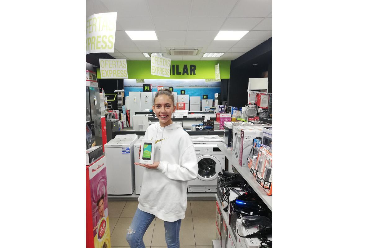 la canasta milar entrega el segundo smartphone del ao