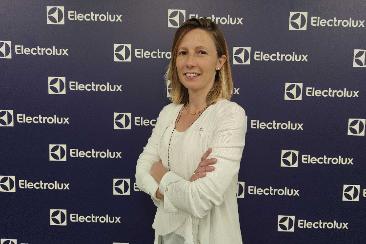 esther solanas nueva marketing activation manager del rea de aspiracin de grupo electrolux