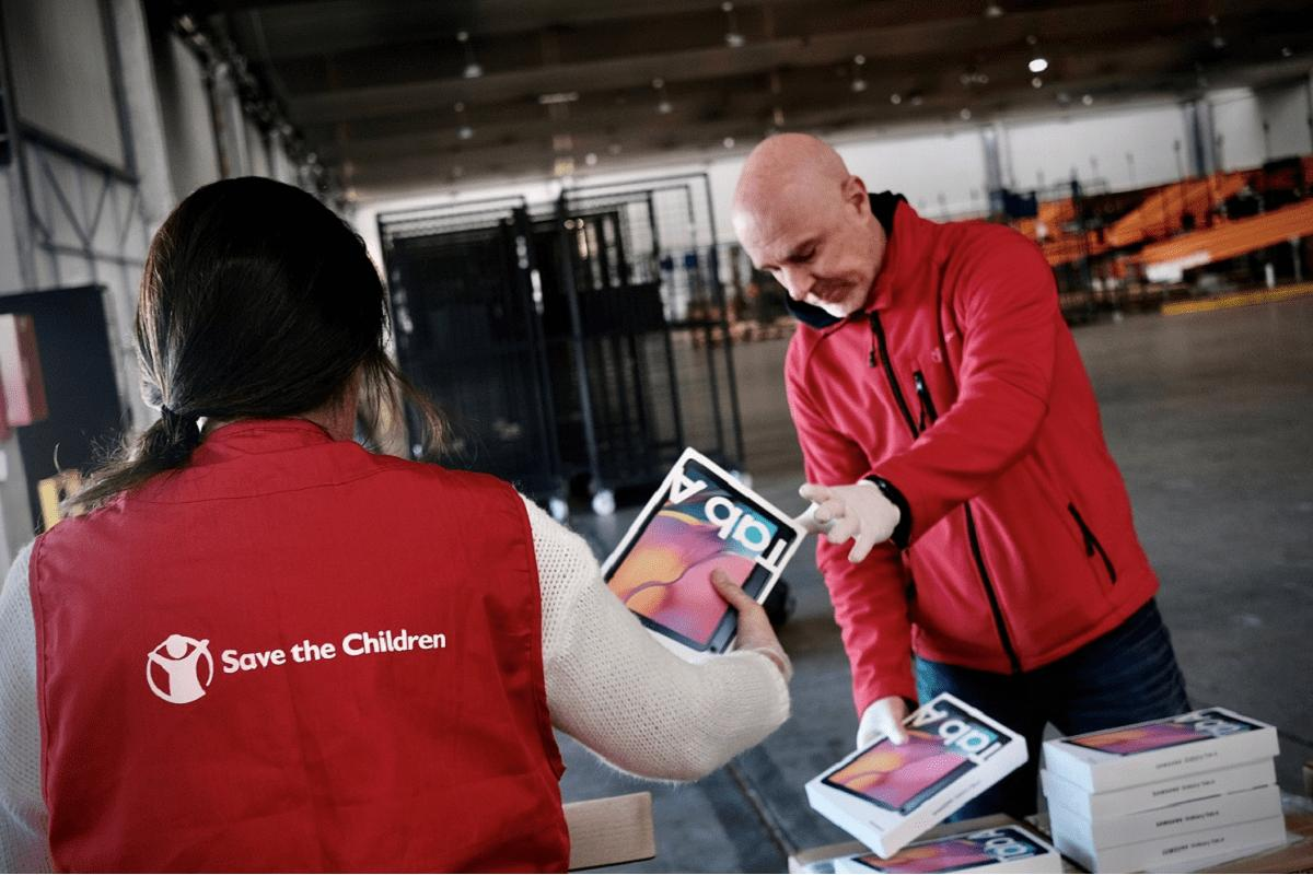 samsung y save the children se alan contra la emergencia educativa en los hogares sin recursos