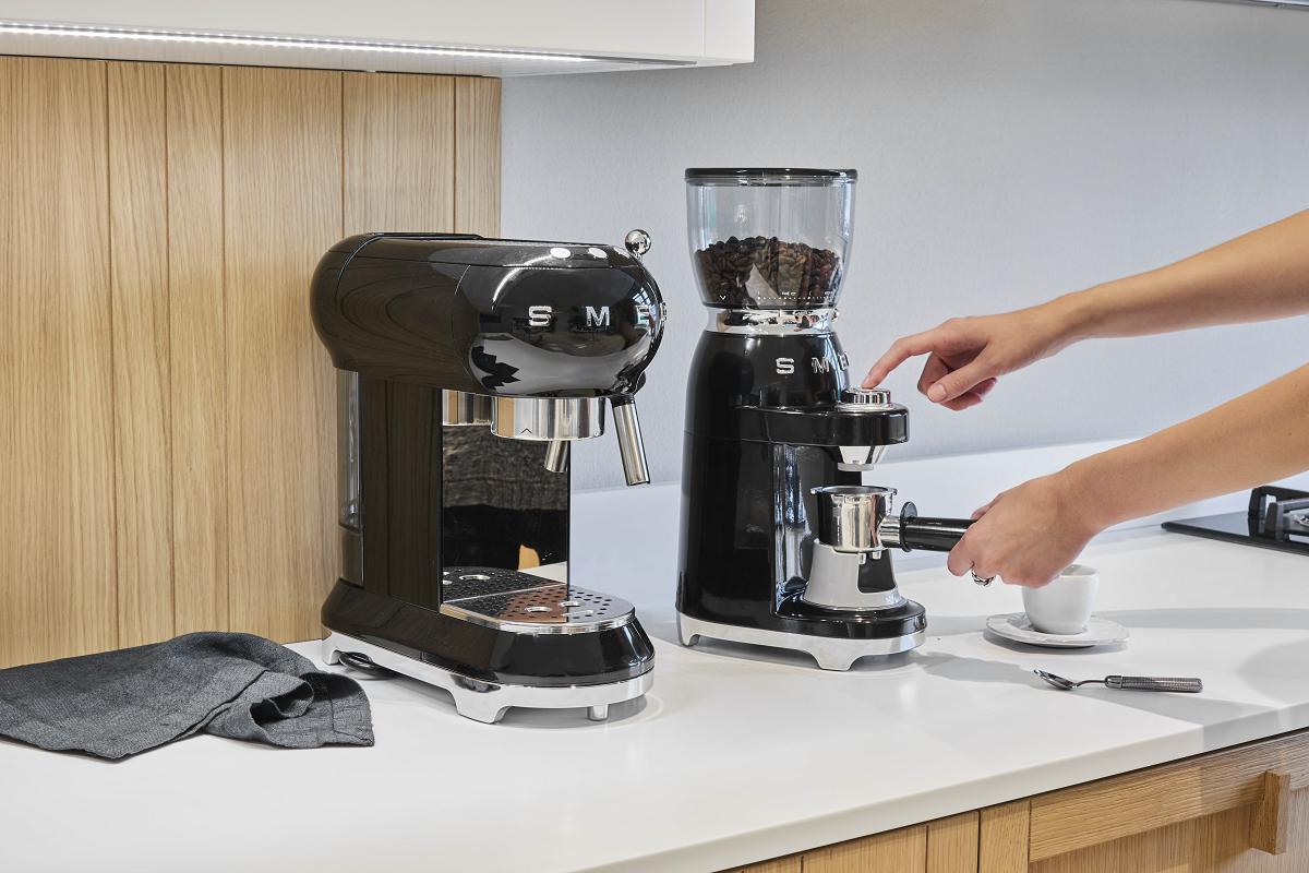 te-gusta-el-cafe-experimenta-esa-sensacion-como-nunca-con-smeg- -