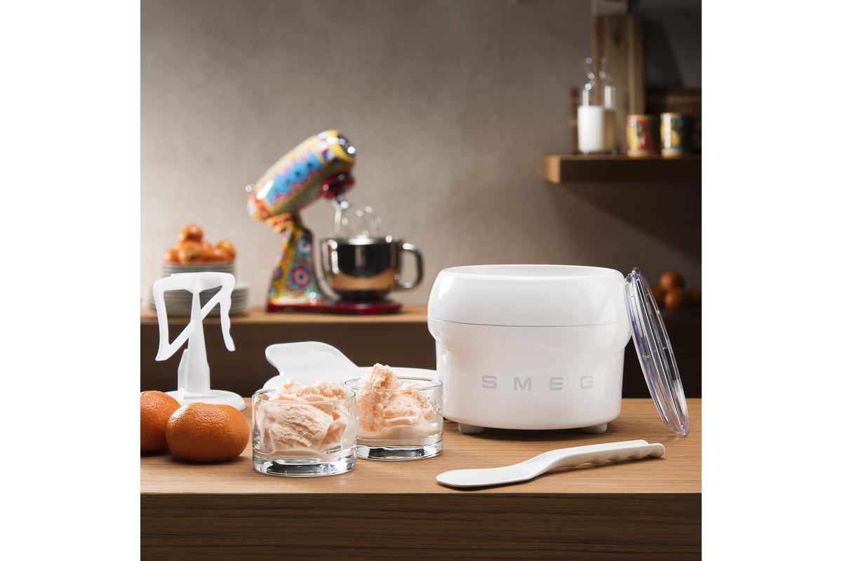 prepara helados deliciosos y artesanales en casa con smeg