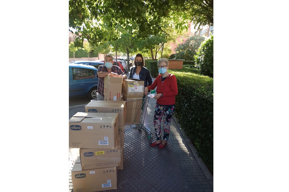 fersay dona un lote de productos a madres con necesidades