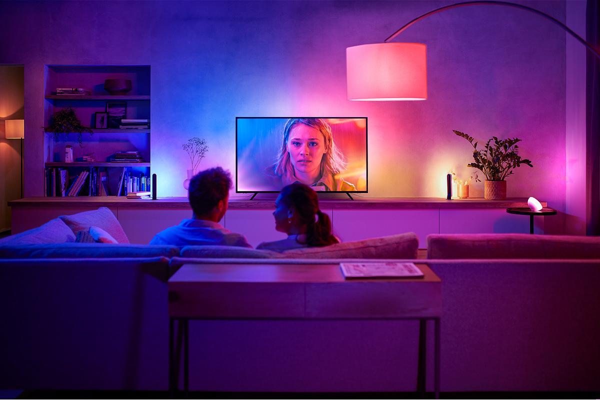 personaliza tu hogar con estilo gracias a las bombillas y tiras led de philips hue