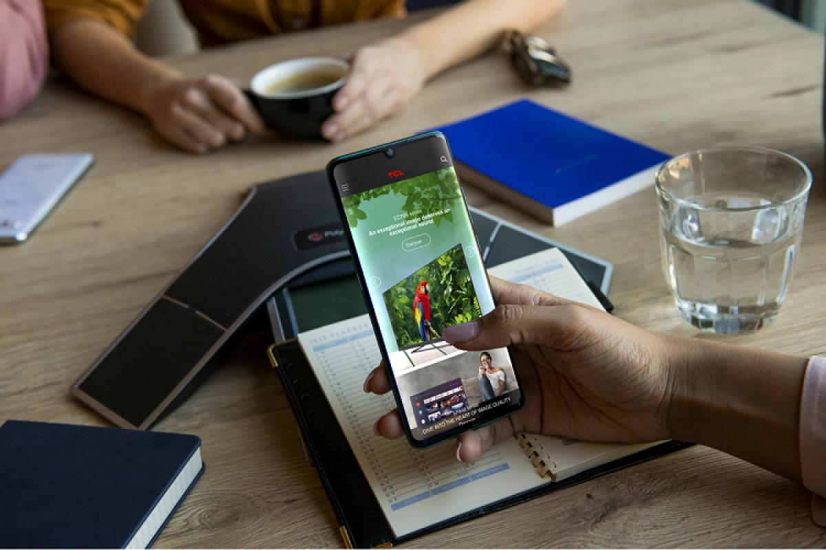 serie tcl 10 smartphones con prestaciones de primer nivel para la vuelta a la oficina