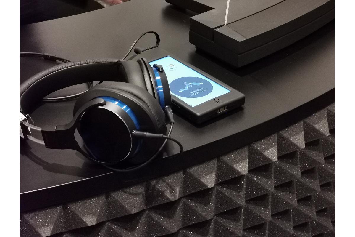 exposicin audiosfera el arte sonoro con audiotechnica en el reina sofa