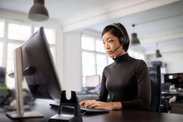 auriculares poly savi 7300 office seguridad y privacidad garantizada