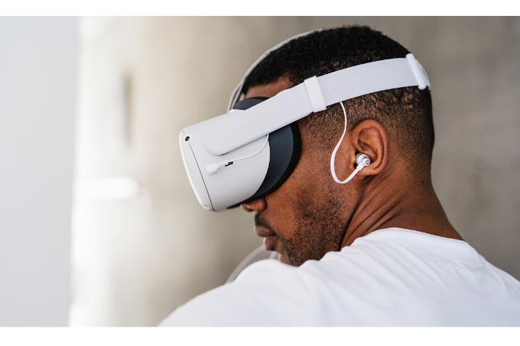 logitech g anuncia la disponibilidad de los dispositivos de audio para oculus quest 2