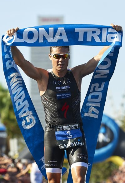 anna godoy y javier gmez noya triunfan en la garmin barcelona triathlon 2014