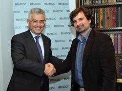 isdi y aecoc firman un acuerdo para promover la transformacin digital de las pymes