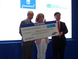 samsung entrega 150000 euros a aldeas infantiles sos