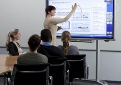 las pantallas sharp destacan por su alta luminosidad y su interactividad en ise 2012