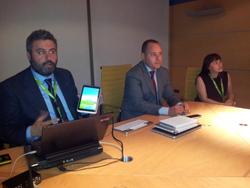 acer presenta en melco su primer tablet de 8 pulgadas con windows 8