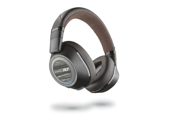 los auriculares backbeat pro 2 de plantronics logran el if design award