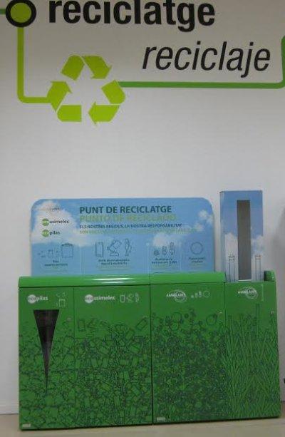 los centros leroy merlin de catalua instalan multicontenedores de reciclaje de residuos de aparatos elctricos y electrnicos