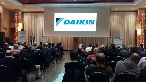daikin reuacutene en galicia a maacutes de 150 profesionales del sector