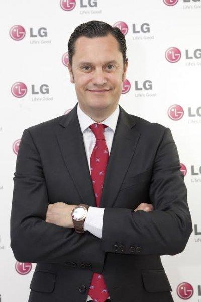 lg espaa nombra a elas fullana nuevo director general de marketing