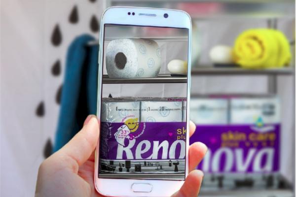 el 92 de los espantildeoles utiliza el smartphone en el bantildeo