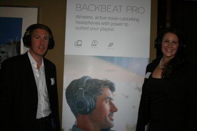 plantronics muestra en berln sus nuevos auriculares inalmbricos con cancelacin activa de ruido