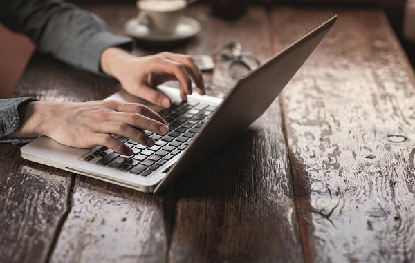 las ventas de ordenadores no consiguen remontar su caiacuteda